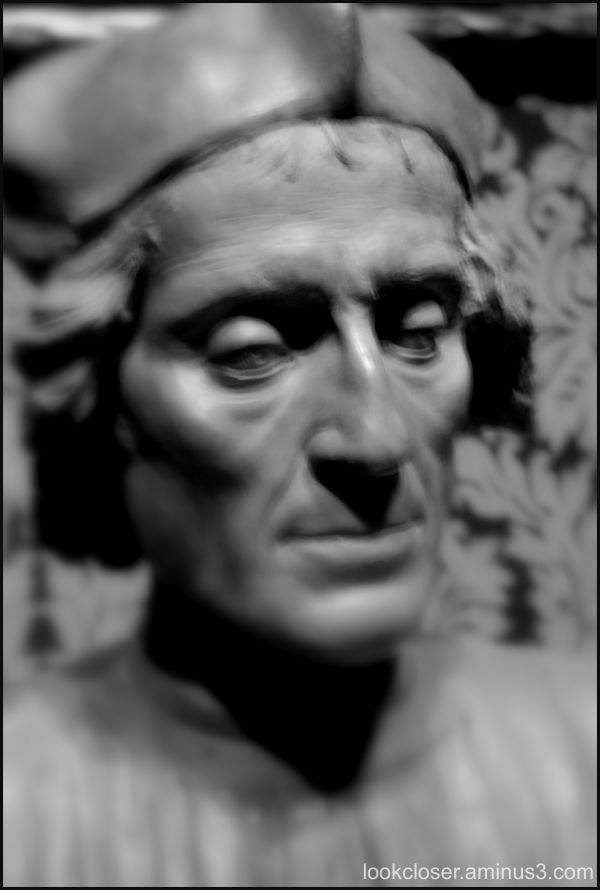 ringling bust bw