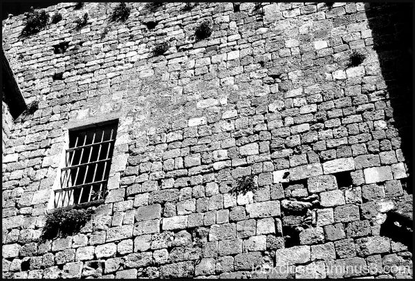 be window bricks Israel