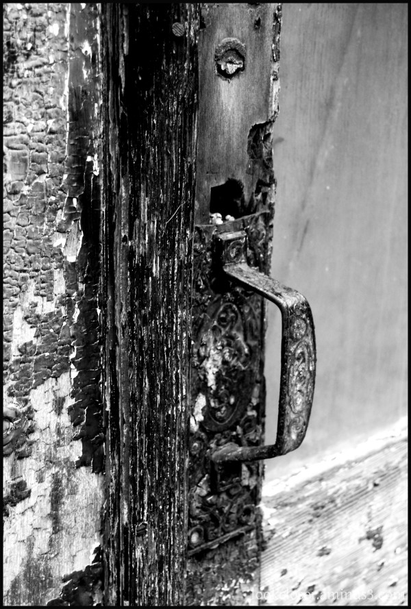 CA abandoned bar handle BW