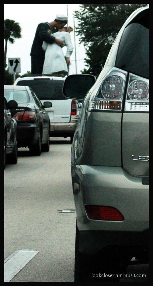 Sarasota sculpture traffic