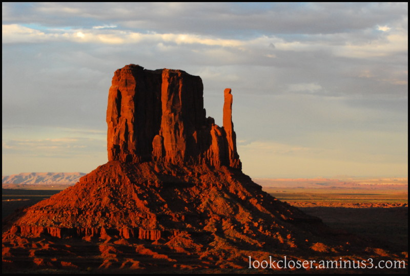 Monument-Valley UT Navajo West Sunset