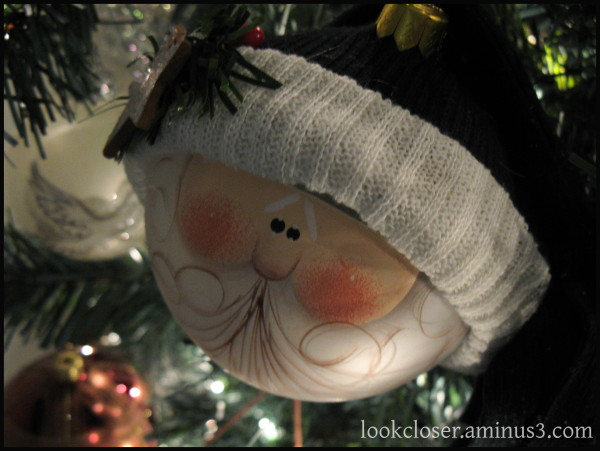 Christmas Santa-ornament home