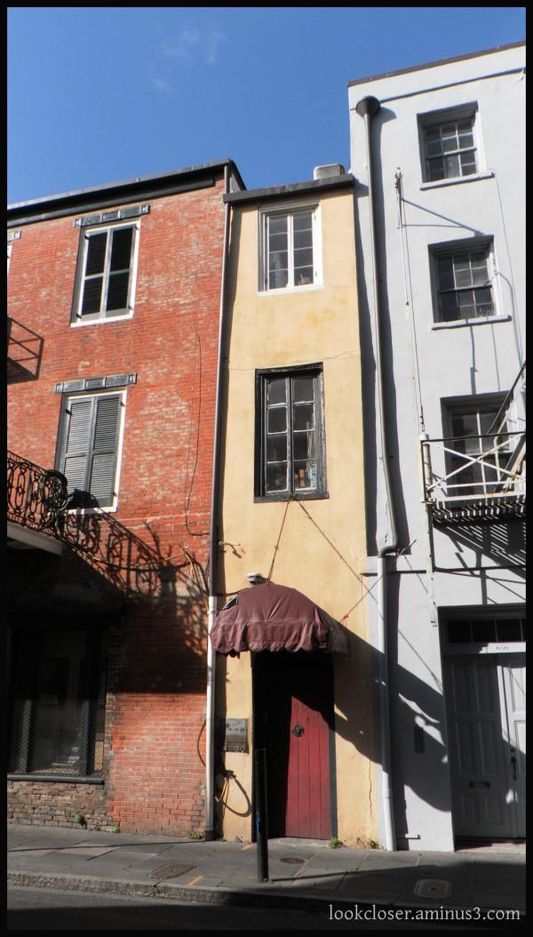 NOLA French-Quarter buildings