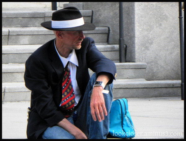 NOLA French-Quarter man suit hat