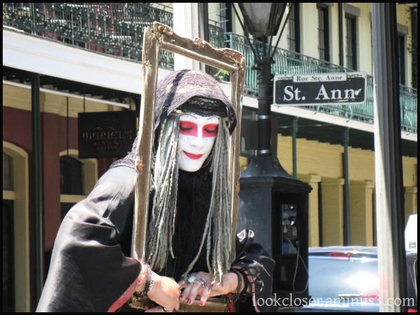 NOLA Quarter street-performer