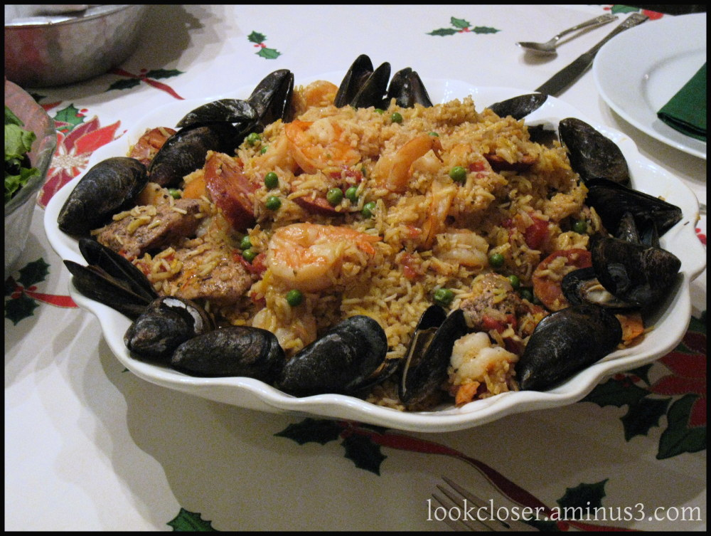 paella food delicious holiday family