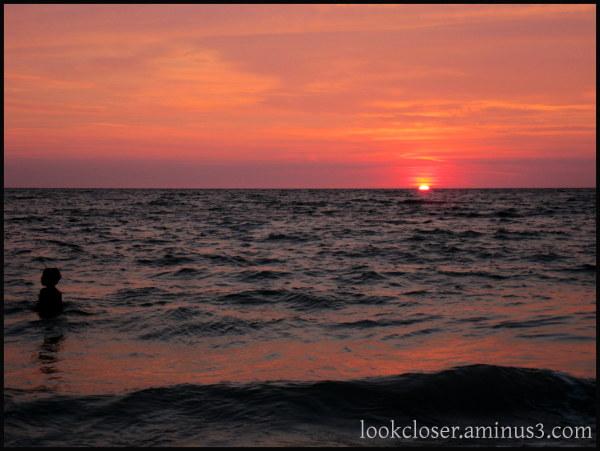 sunset child water sky red purple blue FL