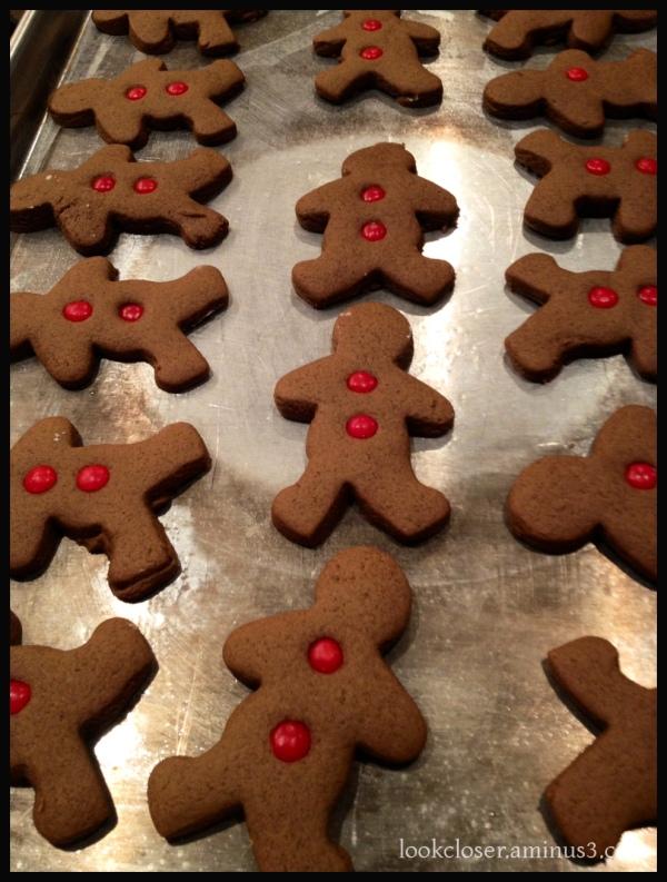 gingerbread men Christmas cookies