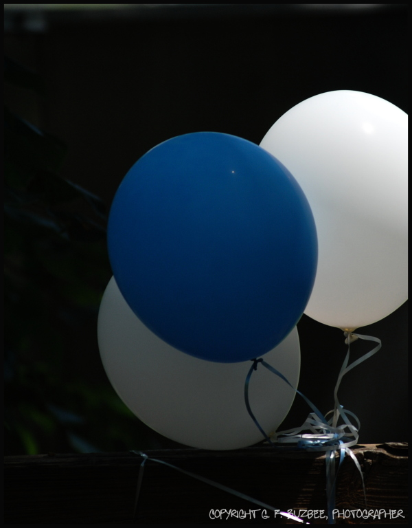 blue white three balloons