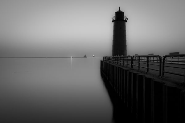 Milwaukee Harbor Lighthouse II