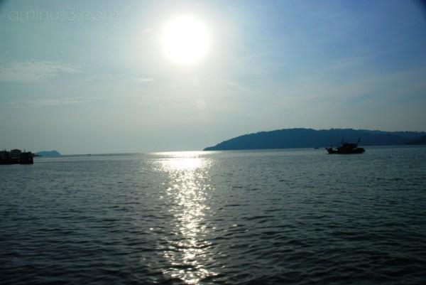 A direct shot of the evening sun