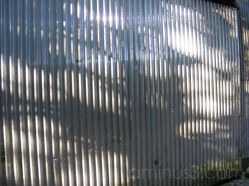 Lysstråler på en mur
