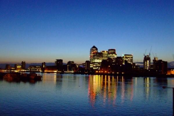 Canary wharf at dawn