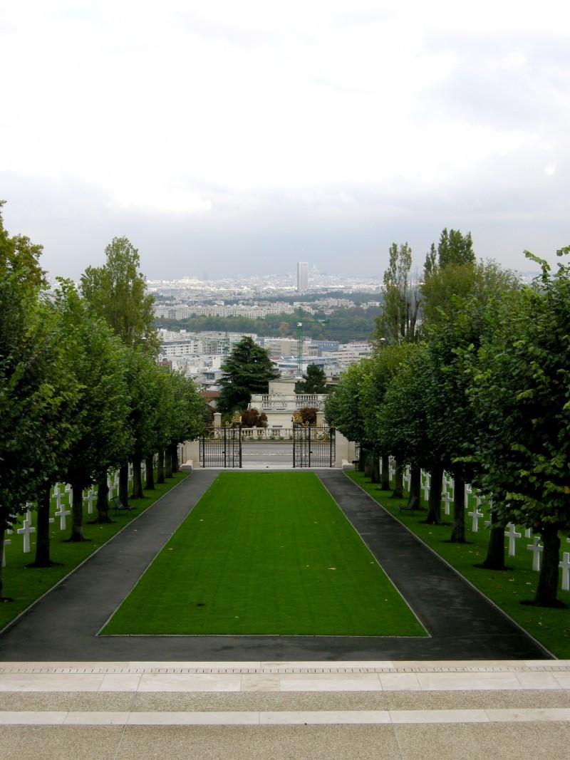 Allée du cimetière Américain