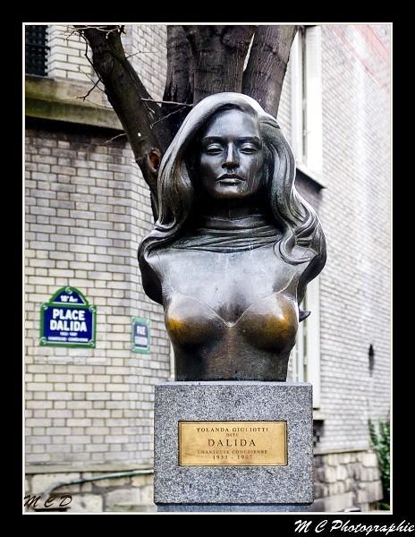 statue de dalida