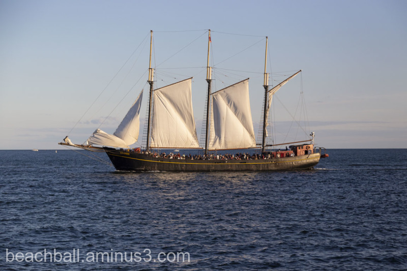 Old-time ship