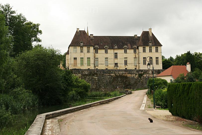 Chateau de Montmoyen - Montmoyen Castle