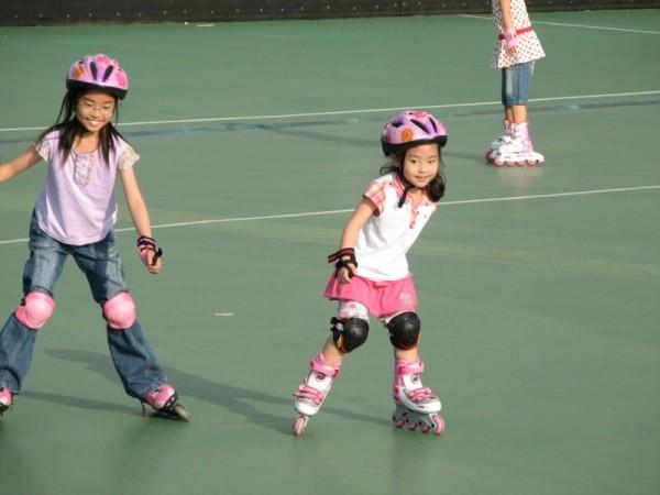 Skating Pinky
