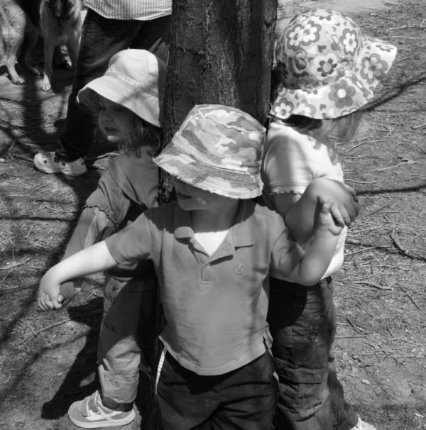 3 Kids playing