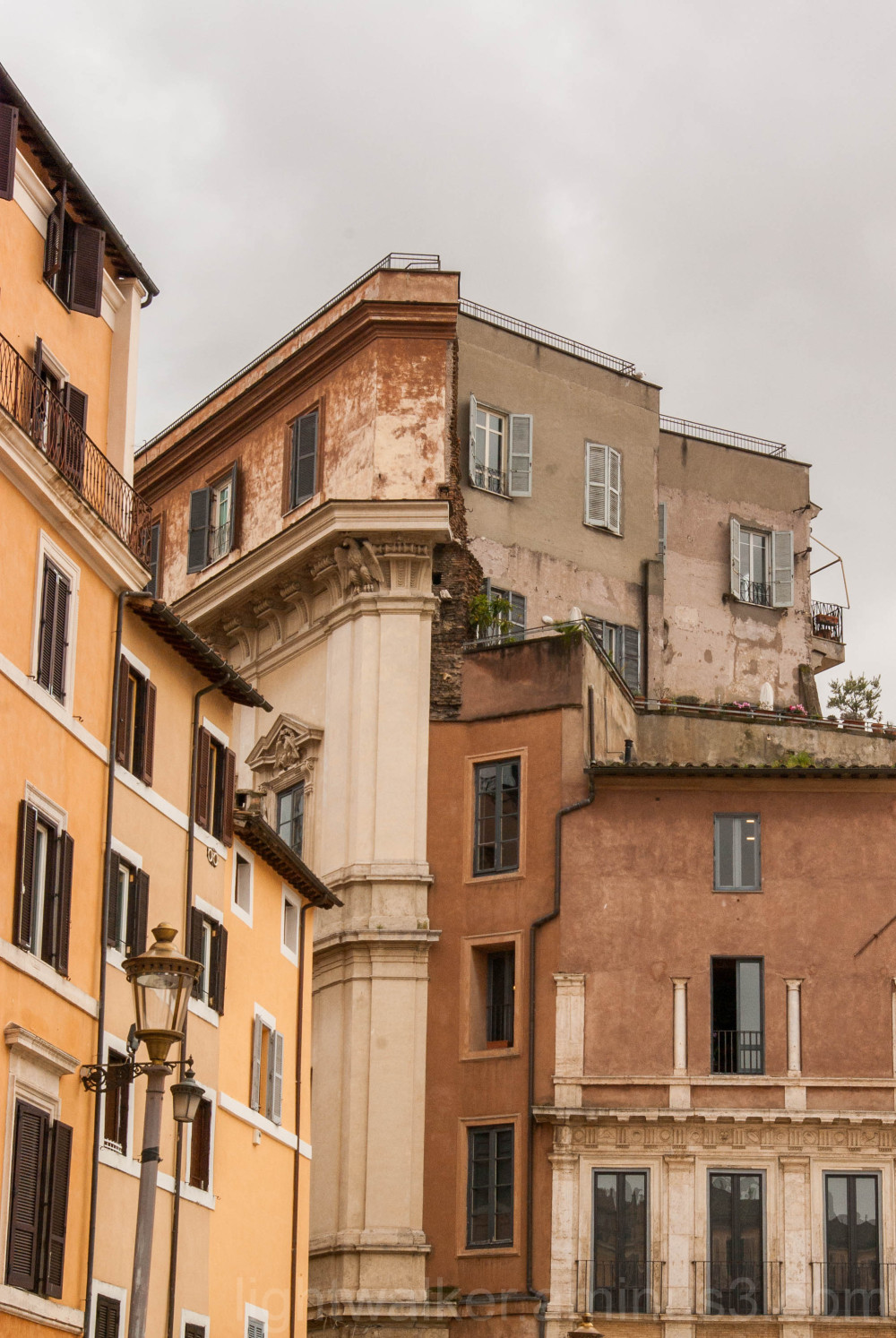 A meeting point of houses in Rome