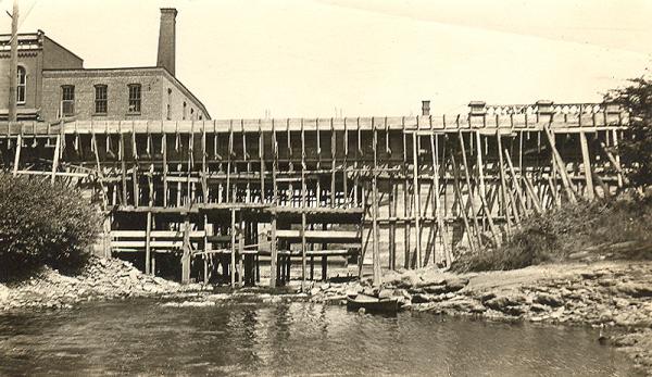 memorabilia - construction du 1er pont de granby