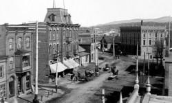 memorabilia   la rue principale vers 1900