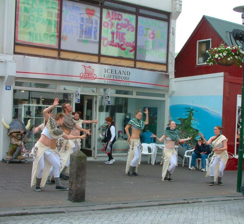 Street Perfomers in Reykjavik