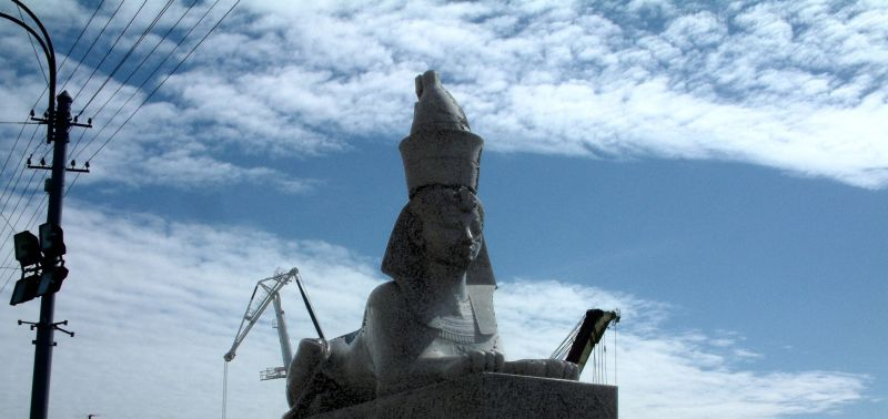 St Petersburg sphinx with two cranes