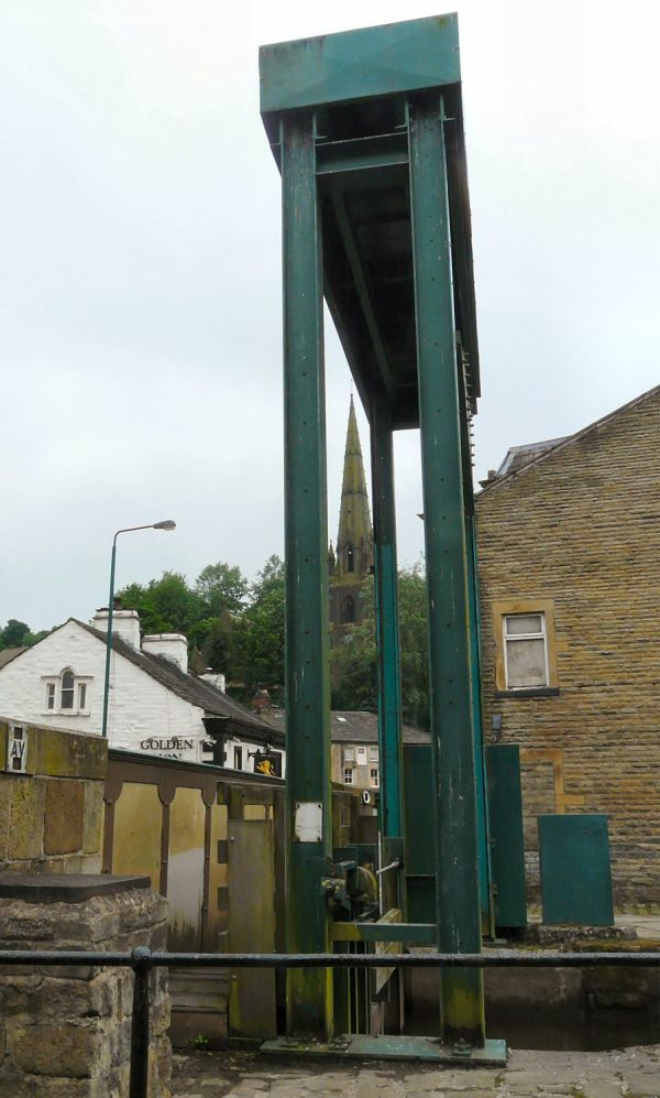 Guillotine lock at Todmorden