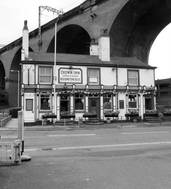 Crown under Stockport Viaduct
