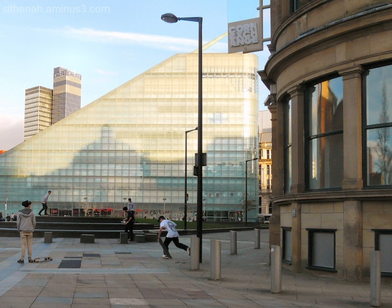 Triangle reflected in Urbis