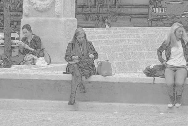 Lunchtime at Manchester Cenotaph