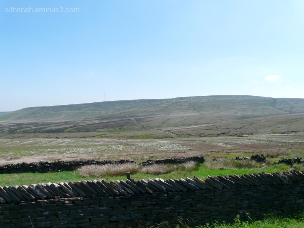 Pennine Way south from Wessenden Head
