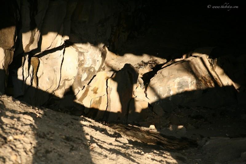 lehigh gorge rail tunnel shadows rock entrance