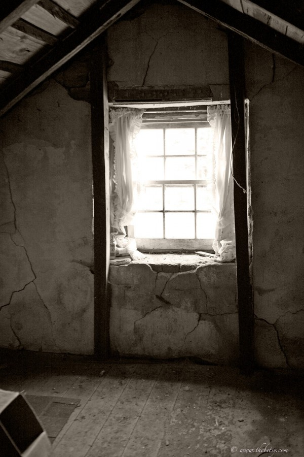 upper window gilbertsville house