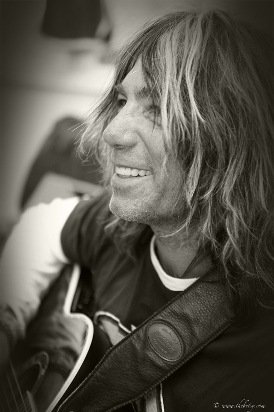 anthony dececco tennis addiction guitar