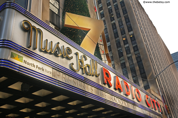 new york city, radio city music hall, christmas,