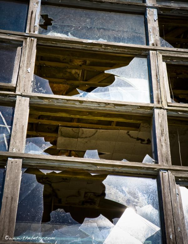 beach house, abandoned, broken, window, crooked
