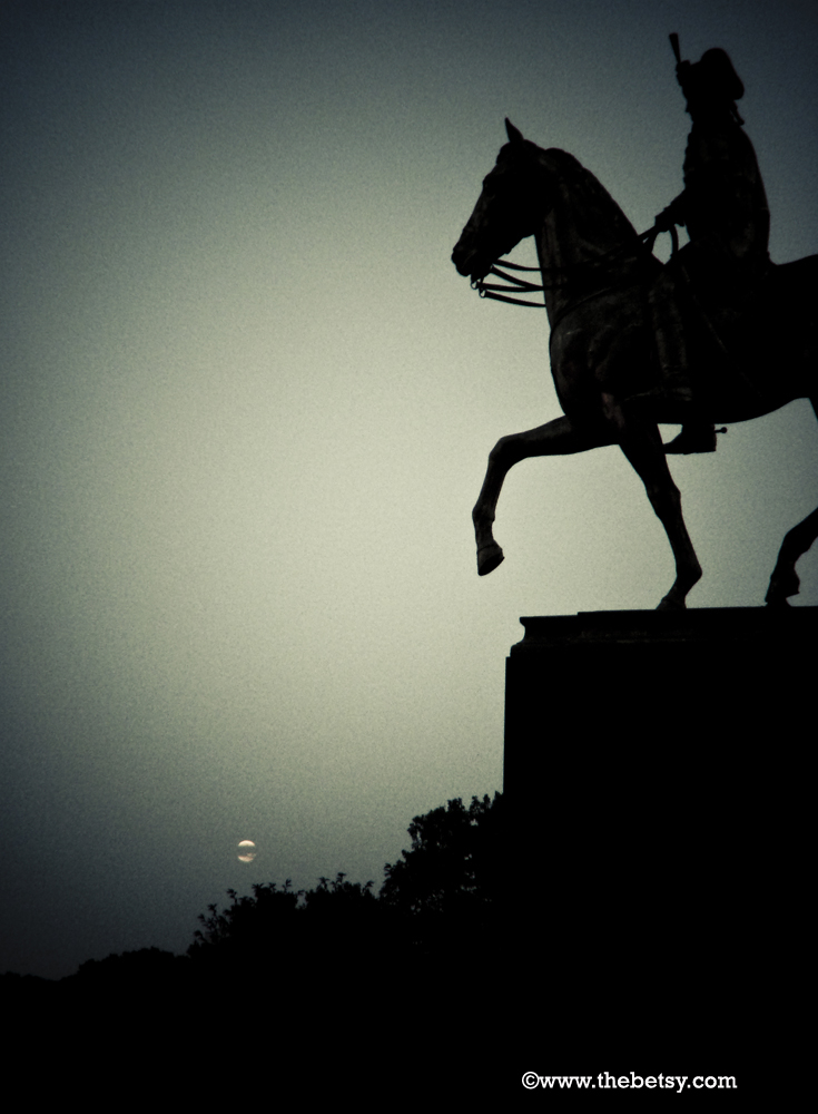 philadelphia, ben-franklin-parkway, full-moon, nig