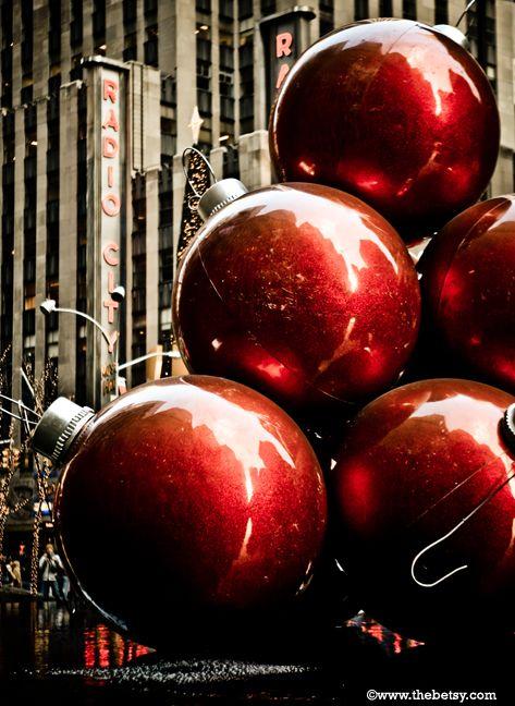 new-york-city,ornaments, sculpture, radio-city