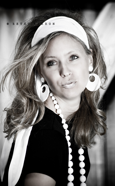 go-go, woman, sixties, black-white, portrait,