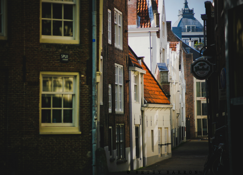 spuistraat, street, amsterdam, buildings, light