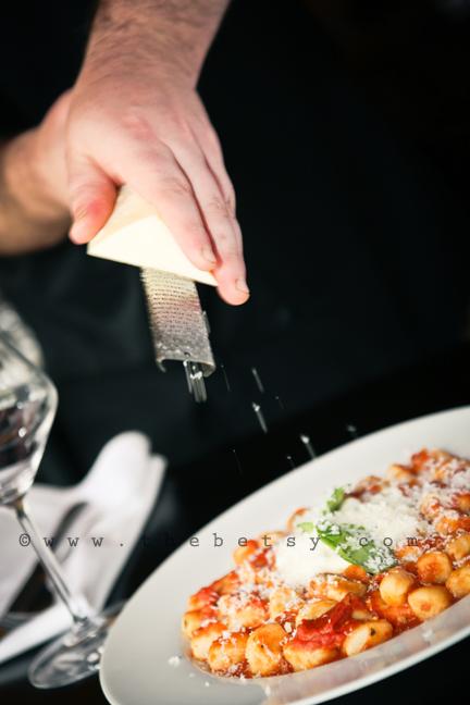 cheese, waiting, restaurant, gnocchi, italian,