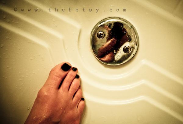 feet, toes, bath, reflection, portrait