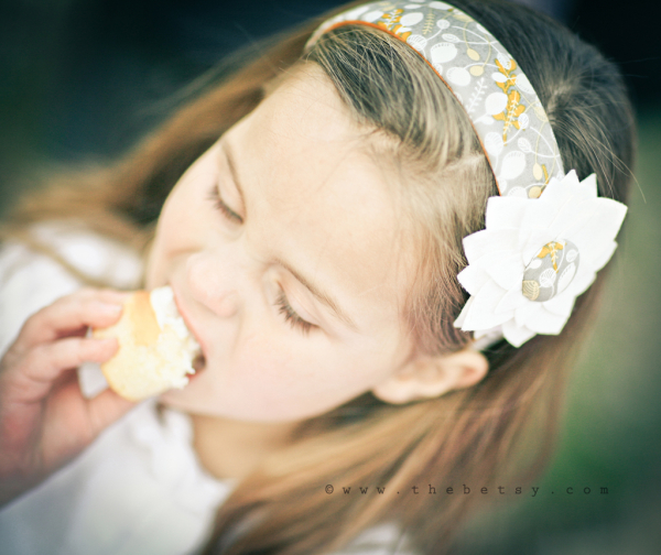 kids, girl, headband, lina_bean, cupcake, portrait
