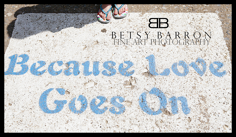 sign, love, feet, daughter, street, paint