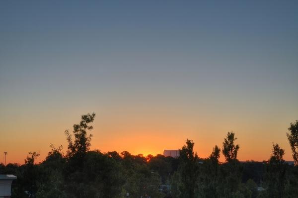 Raleigh Sunrise 20101016