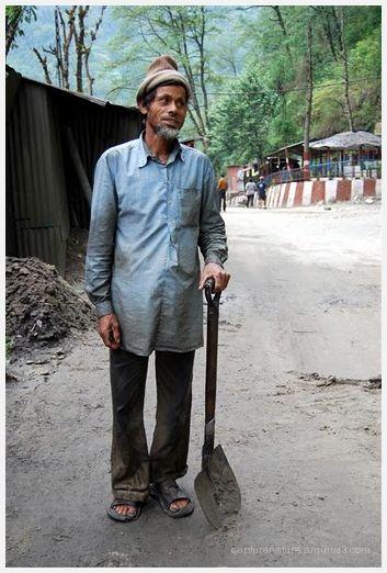 Road Worker Sikkim India capture nature