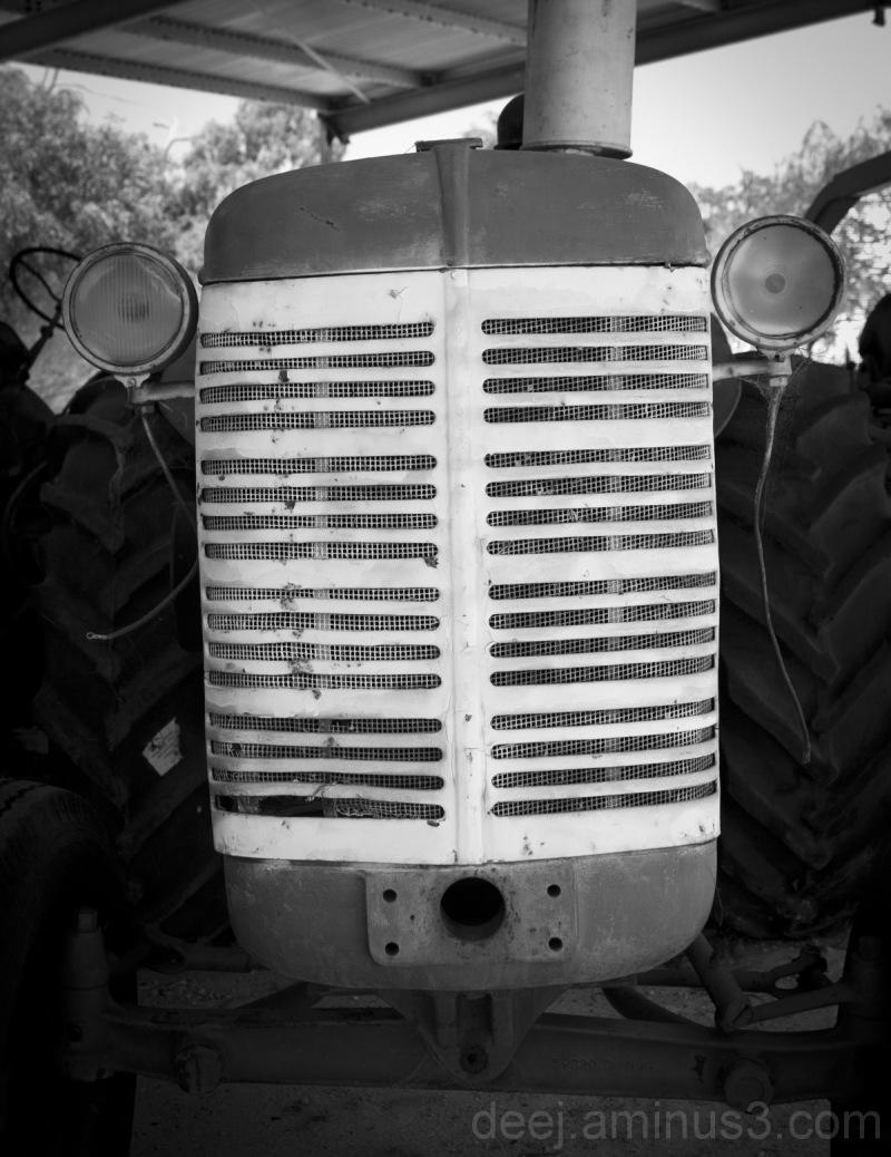 b&w tractor