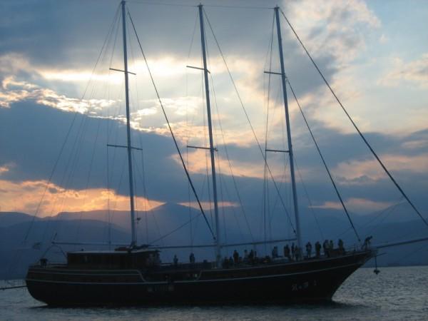 sea ship sailing